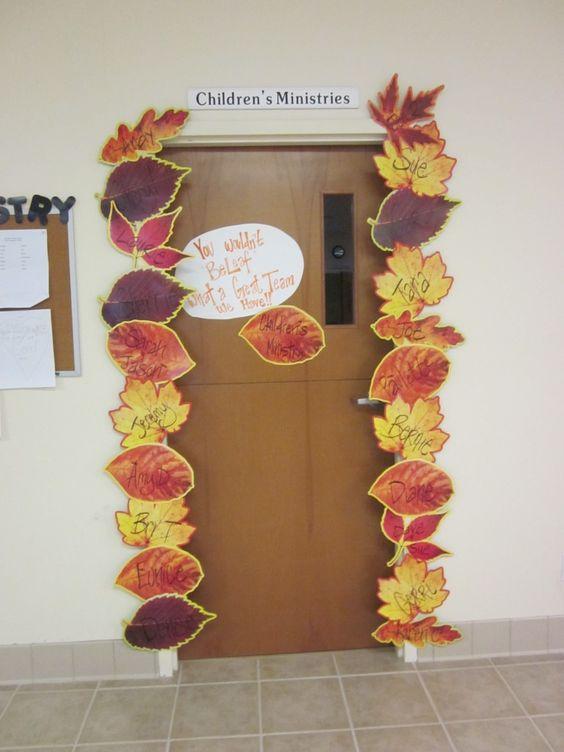 Kettő az egyben. Nemcsak őszi dekor, de még hasznos is. Egy útmutató, kik tanulnak ebben az osztályban.