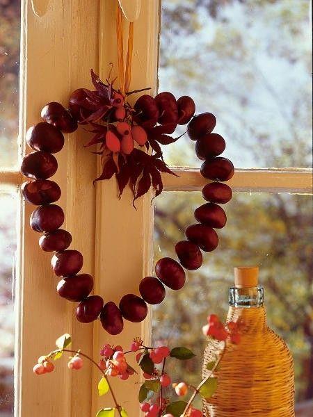 A gesztenyéből rengeteg szuper őszi dekor készíthető. Ráadásul nemcsak mutatós, de tartós dekor is!