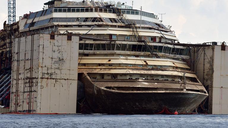 Teljesen megsemmisítik a Costa Concordia hajóroncsát