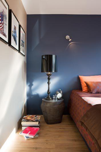 Ha színes fal mellett döntesz, célszerű helyiségenként egy-egy falat színesre festeni. Ez a szabály különösen igaz, ha élénk színt választasz.