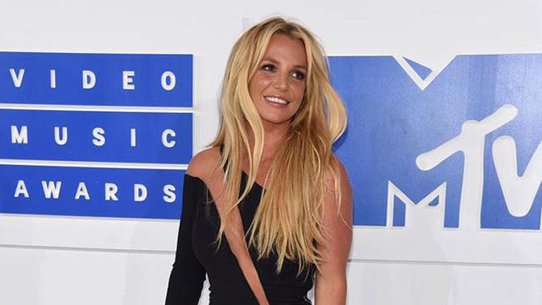 Az In Touch szerint a VMA-n magában beszélt. Így nézett ki. Fotó: Britney Facebook