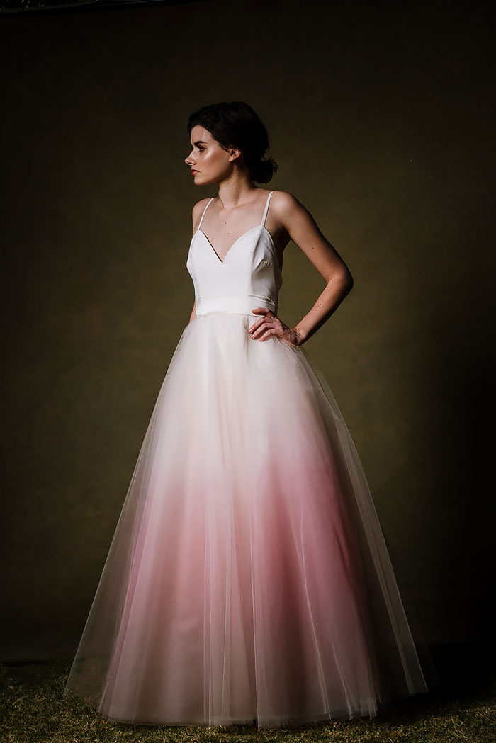 Káprázatos, színátmenetes esküvői ruhák, amik még jobban feldobják a nagy napot