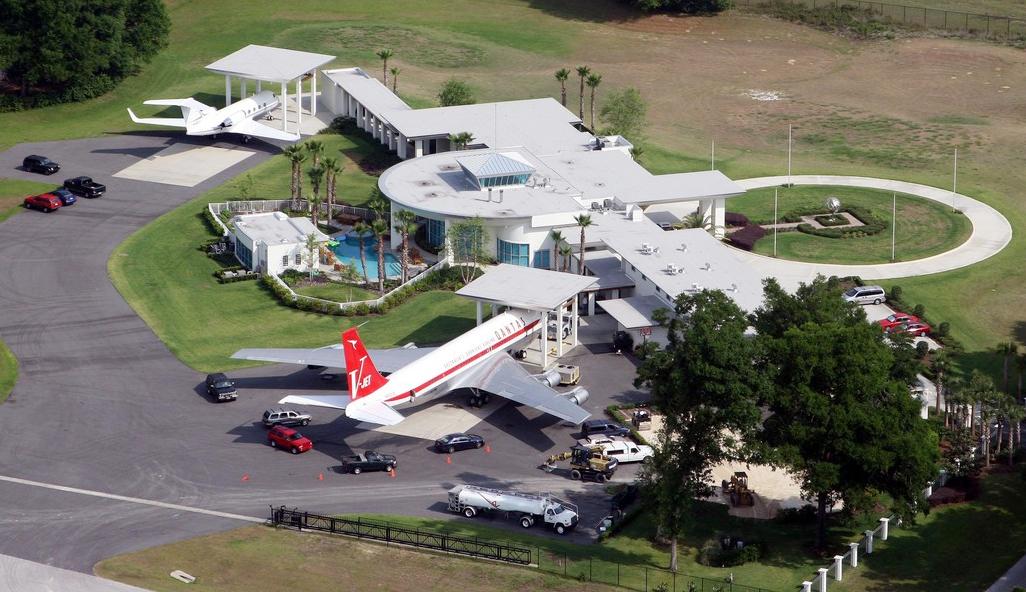 A színész háza és repülőtere
