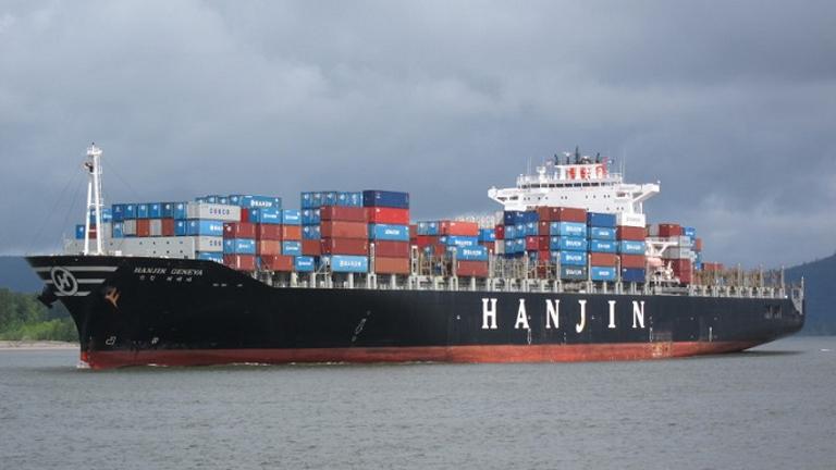 A Hanjin Geneva egyelőre kikötőn kívül vesztegel (Fotó: maritime-connector.com)