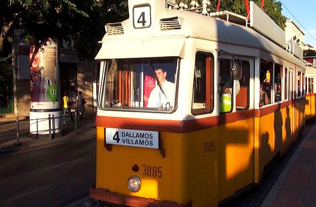 Dallamos Villamoson utazhatsz szombaton