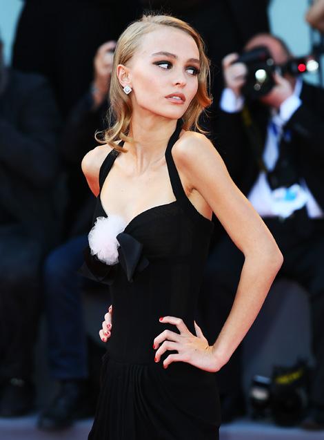 Johnny Depp lánya aggasztóan sovány - fotó