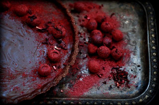 Vegán málnás csokitorta
