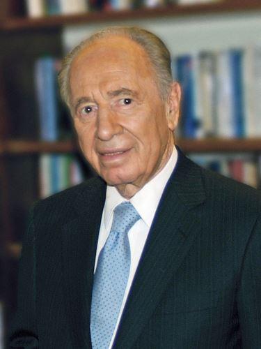 Agyvérzés kapott a 93 éves Nobel-békedíjas politikus, Simon Peresz