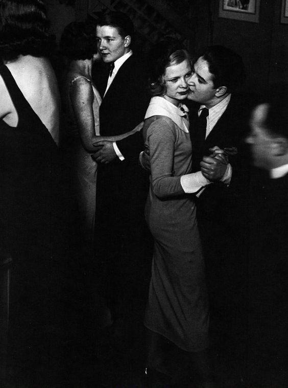 Nézz be párizs híres leszbikus bárjába, a Monoklibe!