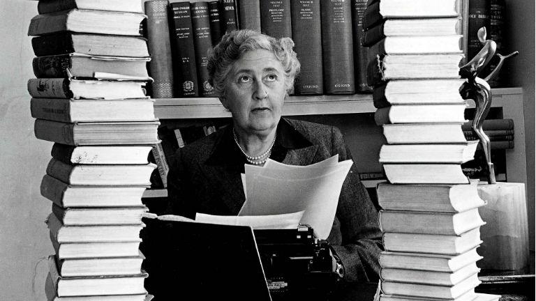 126 éve született a krimi koronázatlan királynője, Agatha Christie