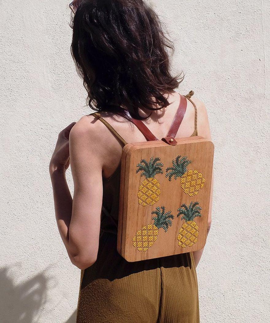 Menő, fából készült táskák izgalmas részletekkel - fotók