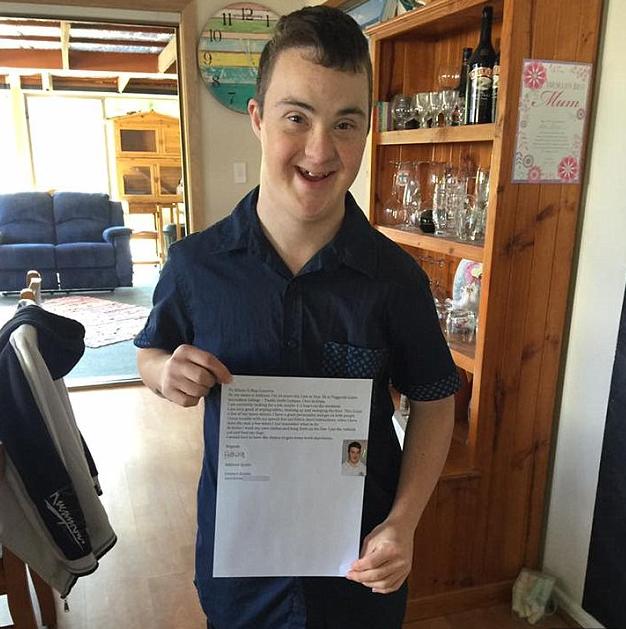 Szívmelengető levélben keres állást a 16 éves Down-szindrómás fiú