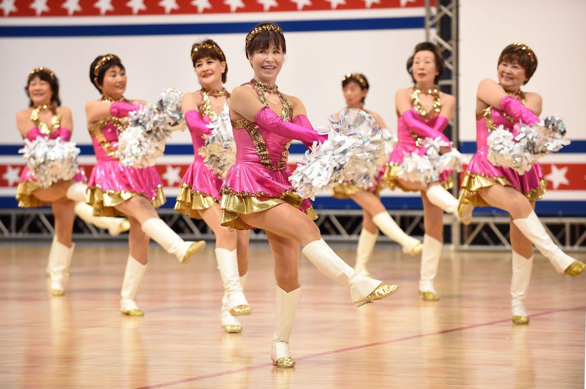 Egész Japán imádja az idősekből álló szurkolócsapatot