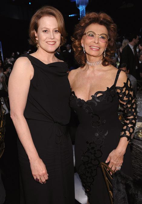 Sigourney Weaver és példaképe Sophia Loren (Fotó: Wire Image)