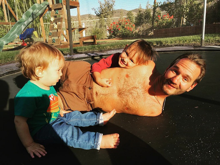 Nick Vujicic két fiával