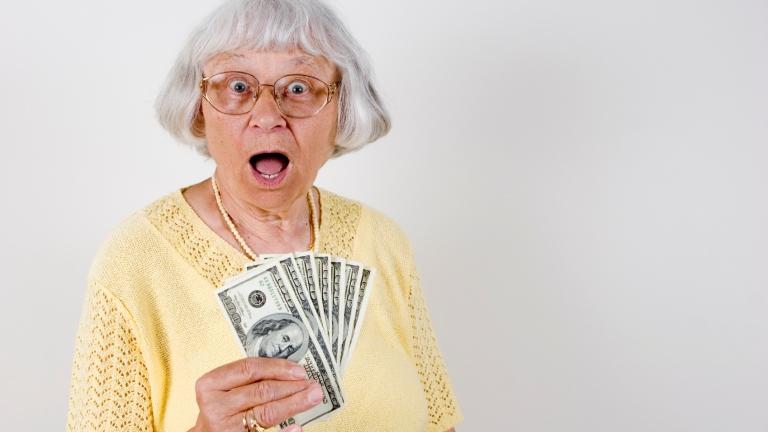 mit kell tennie egy nyugdíjasnak, hogy pénzt keressen)