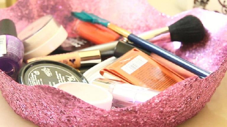 Filléres luxus: készíts csillogós tárolót a piperéidnek!