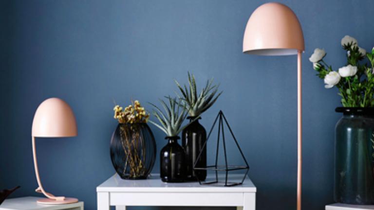 Csodaszép világító gombakalapok a lakásban