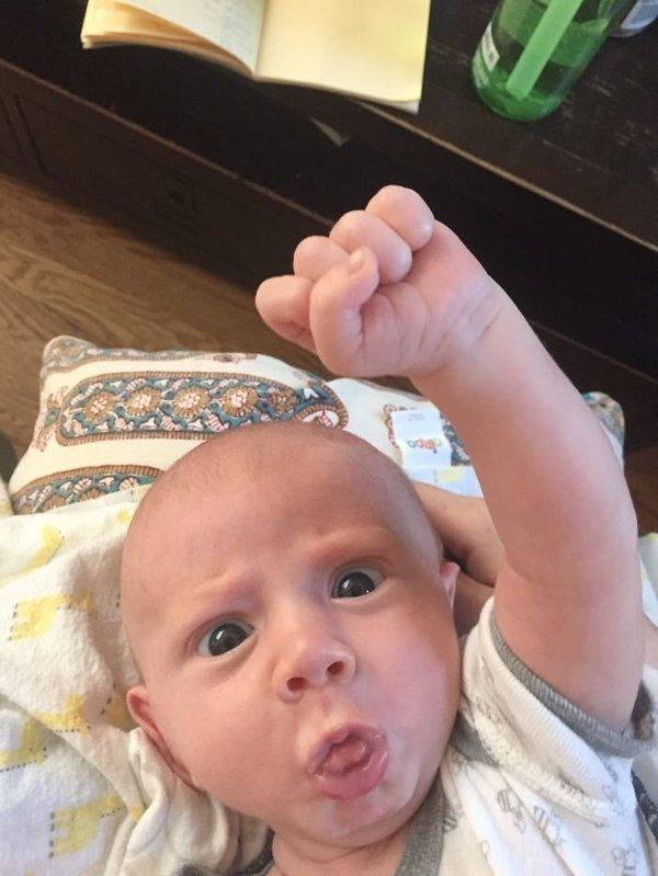 A világ legcukibb és legkifejezőbb arca ez a kisbaba - fotók