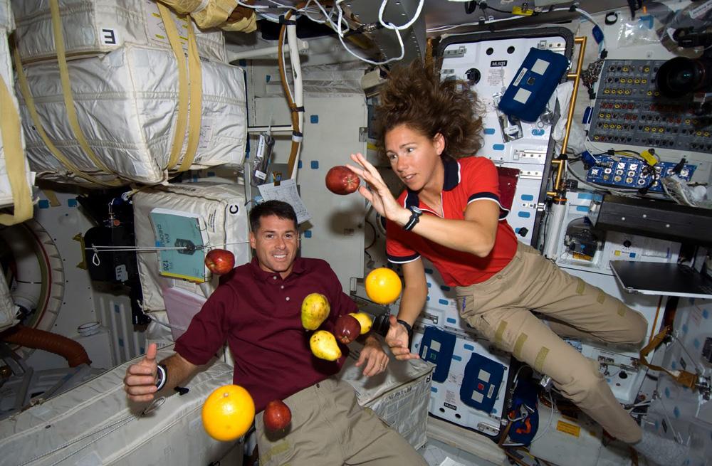 Kóla automata és űrgarnéla - ilyen az étkezés az űrben
