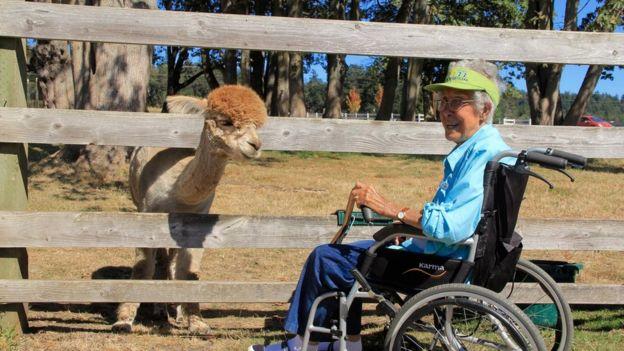 Az utazást választotta a kemoterápia helyett - meghalt a 91 éves néni