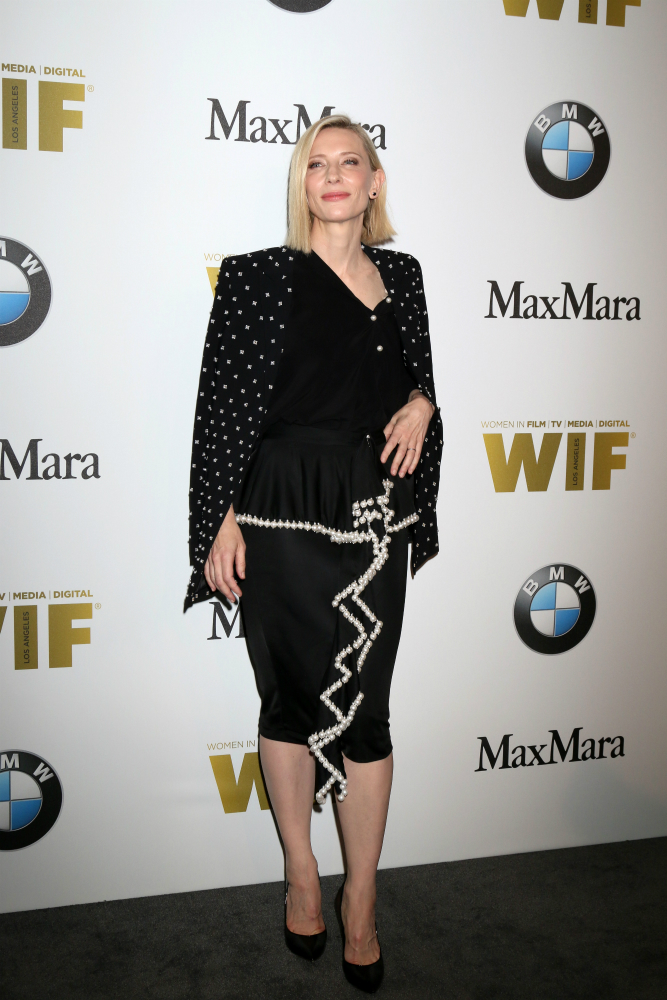 Cate Blanchett ragyogó dekoltázst villantott