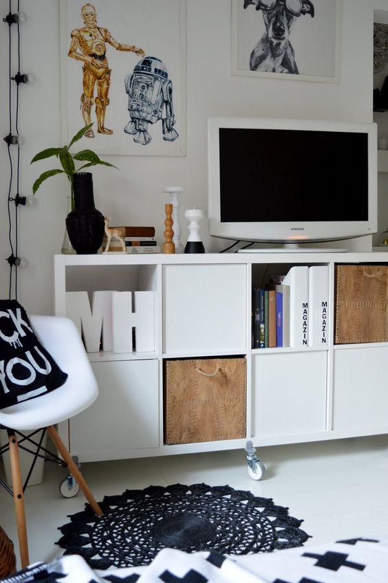 Nemcsak a 70-es években, de ma is szeretjük a többfunkciós helyiségeket. Általában a nappali dolgozószobaként is funkcionál.