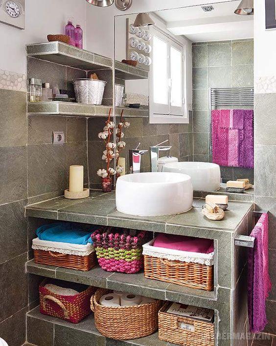 Egy kis vidámság a 70-es. 80-as évek lakberendezési stílusát idézi ez a fürdőszoba.