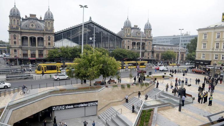 Gyanús táskát találtak a Nyugati téren