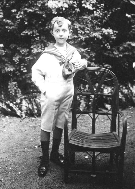 Christian Dior fiatalon