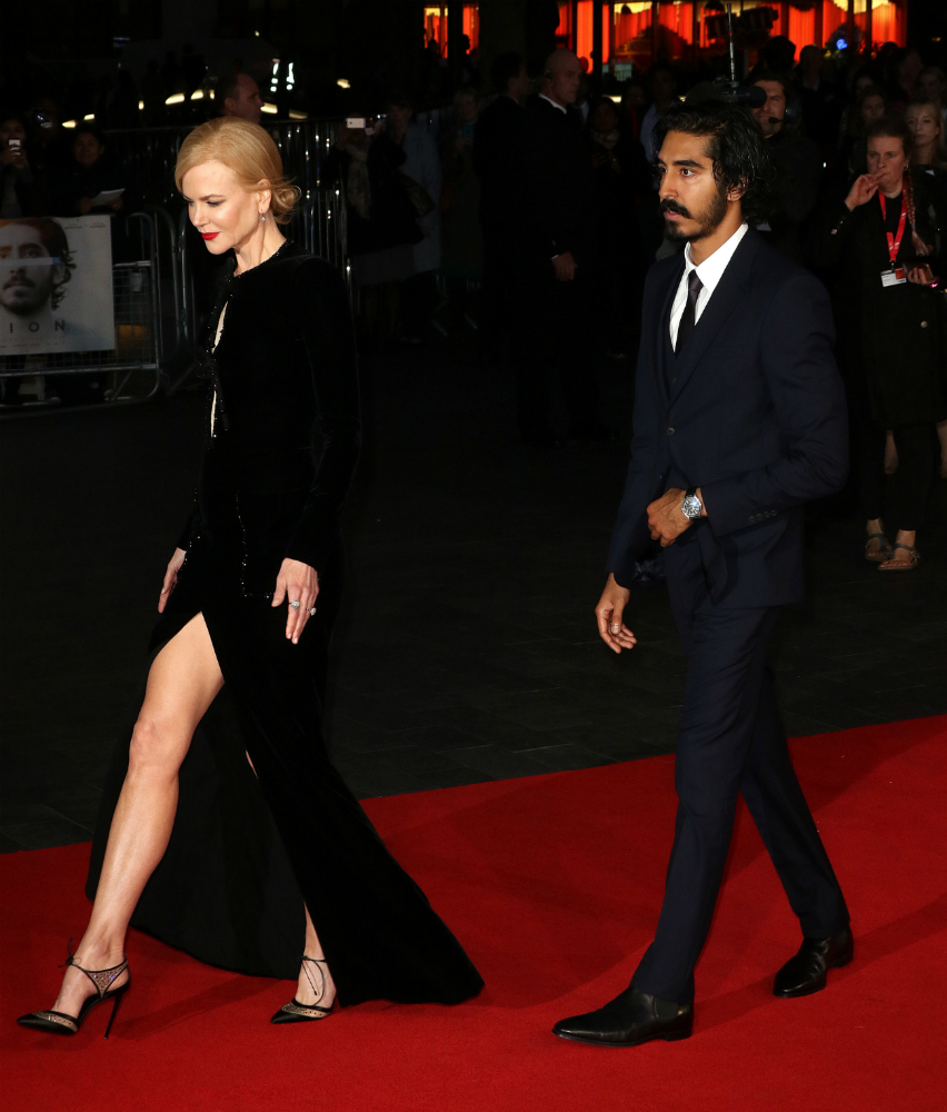 Nicole Kidman bugyiig kivágott ruhában sétált