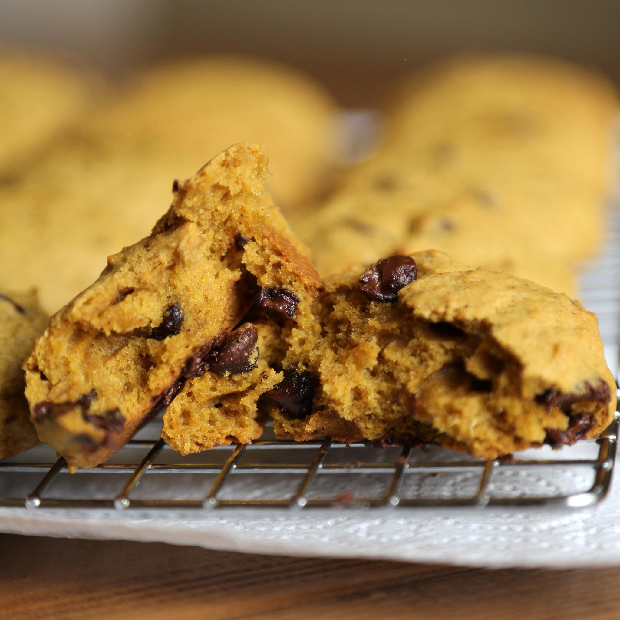 A tökéletes délutáni nasi: klasszikus csokis keksz sütőtökkel