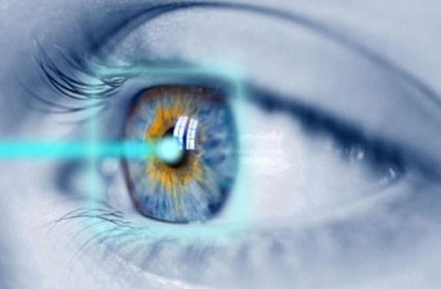 Szemüveg vagy szemműtét? – 3 nyomos ok, amit a látásodért érdemes mérlegelni