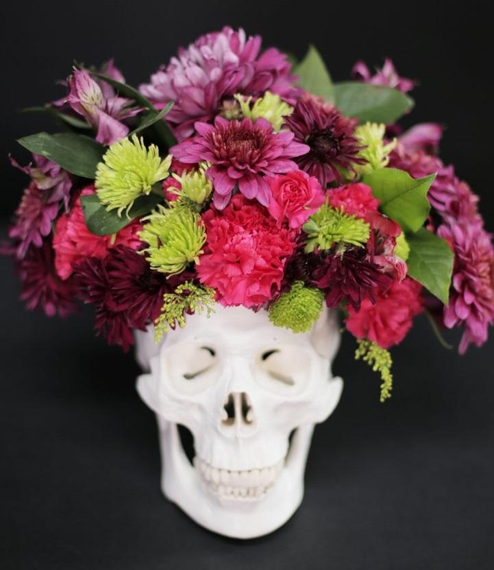 Ezt a koponyás virágtartót lehet, hogy Halloween után is megtartod majd