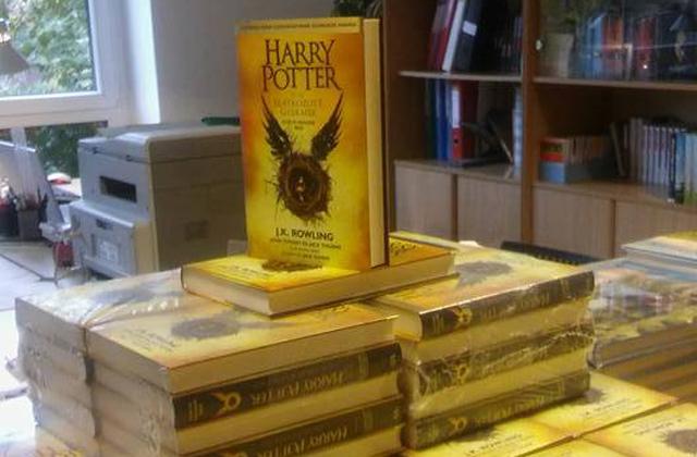 Magyarul is olvasható a Harry Potter és az elátkozott gyermek