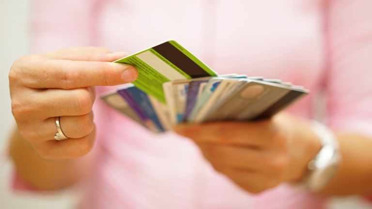 Személyi kölcsön vagy hitelkártya? Érvek, hogy biztosan jól válassz