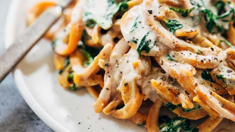 Így készül a tökéletes spagetti édesburgonyából!