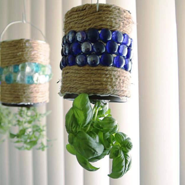Csodás házi függőkert a fűszernövényeknek - videó
