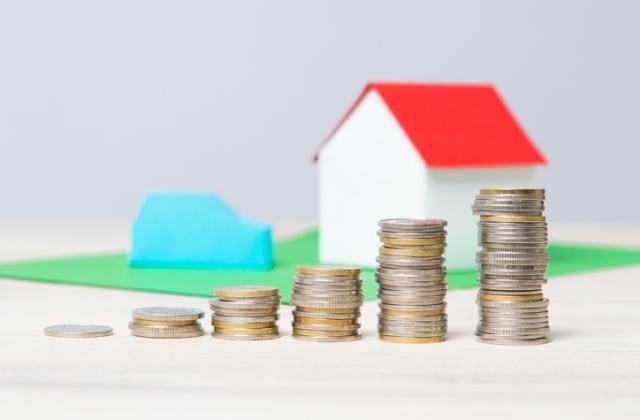 Kötelező felelősségbiztosítást kell kötni a családi házakra