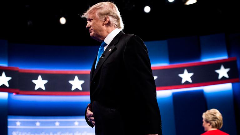Hillary Clintonnal szemben alulmaradt a jelölti viták során, végül a választásokon ő győzött