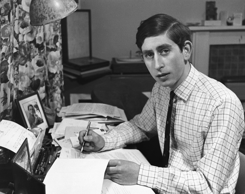 A férfi, akinek nem volt tinédzser kora - 68 éves Károly walesi herceg