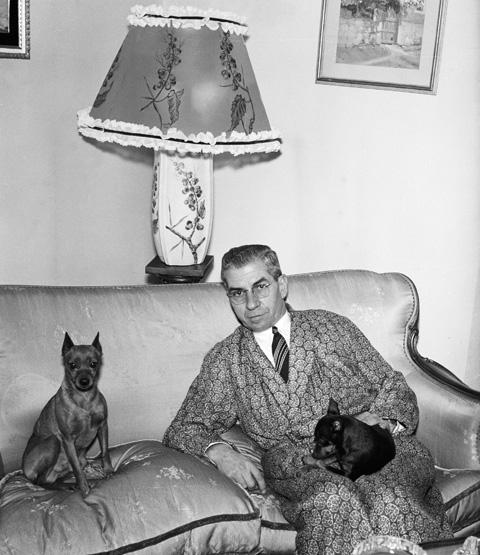 Lucky Luciano nápolyi otthonábanm 1958 (Fotó: Bettmann)