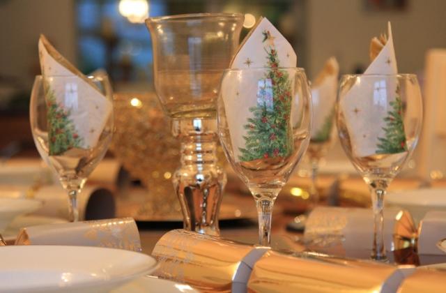 7 bámulatos ötlet, hogyan hajtogasd a karácsonyi szalvétát