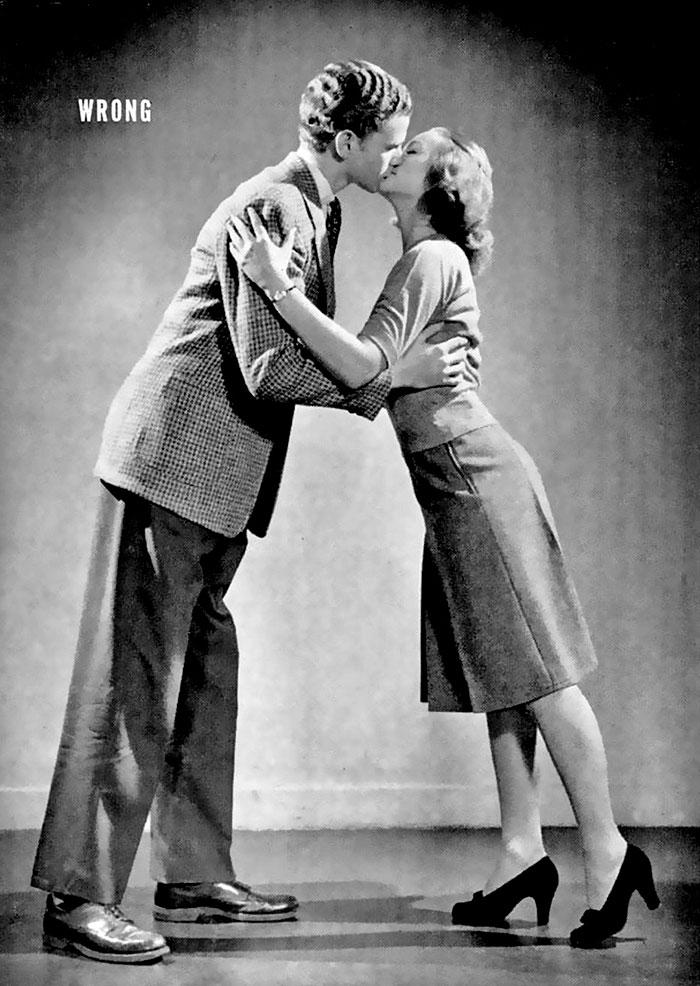 Így kell csókolózni - a negyvenes évekbeli útmutató szerint