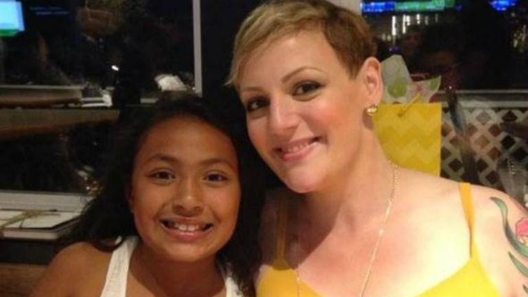 Rákbeteg anyukájával együtt borotváltatta le haját a kilencéves lány