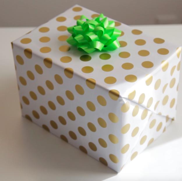 Így lehetsz idén karácsonykor te az ajándékcsomagolás királya!