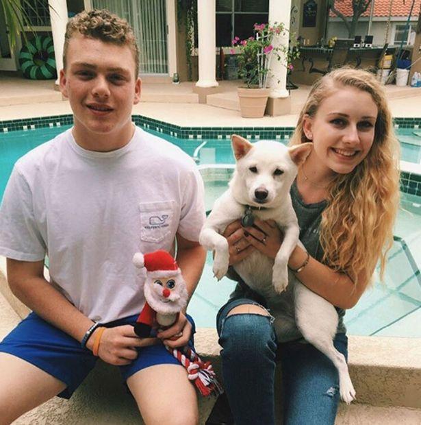 A Télapó rajongó kutya végre élőben is találkozhatott kedvencével - cuki fotók