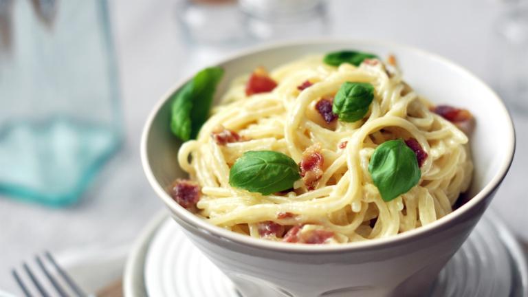 Mit főzzek ma? Tejszínes-baconös spagettit!