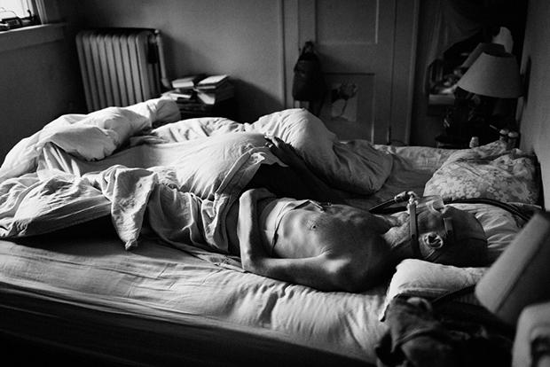 A fotósra bízta magát a haldokló ember