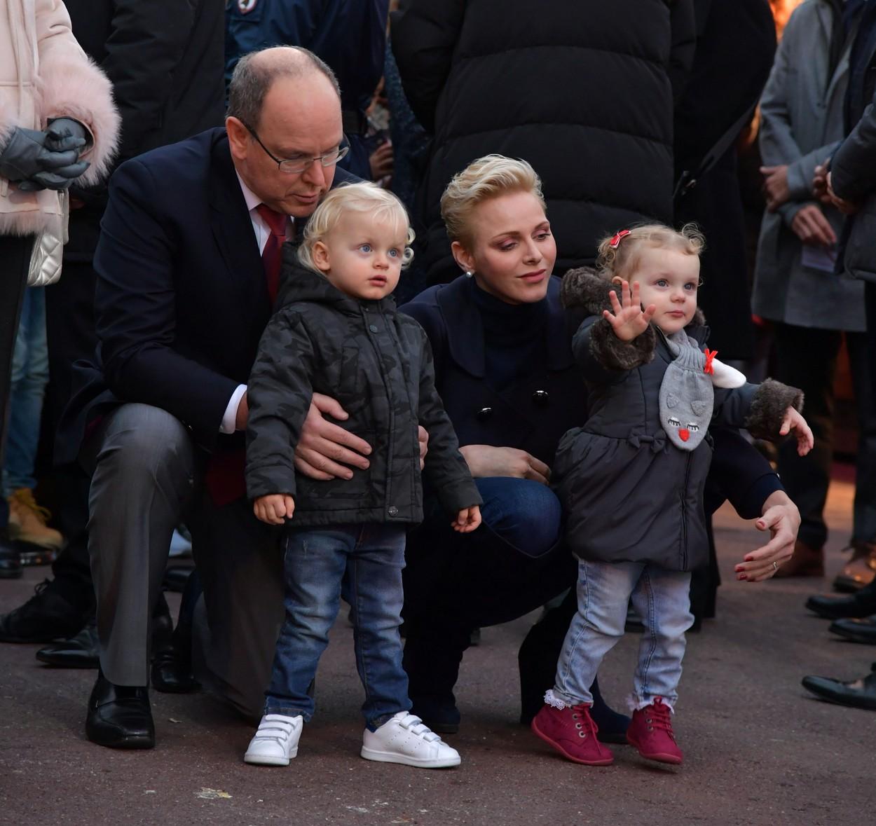 Friss fotók a hercegi pár gyerekeiről